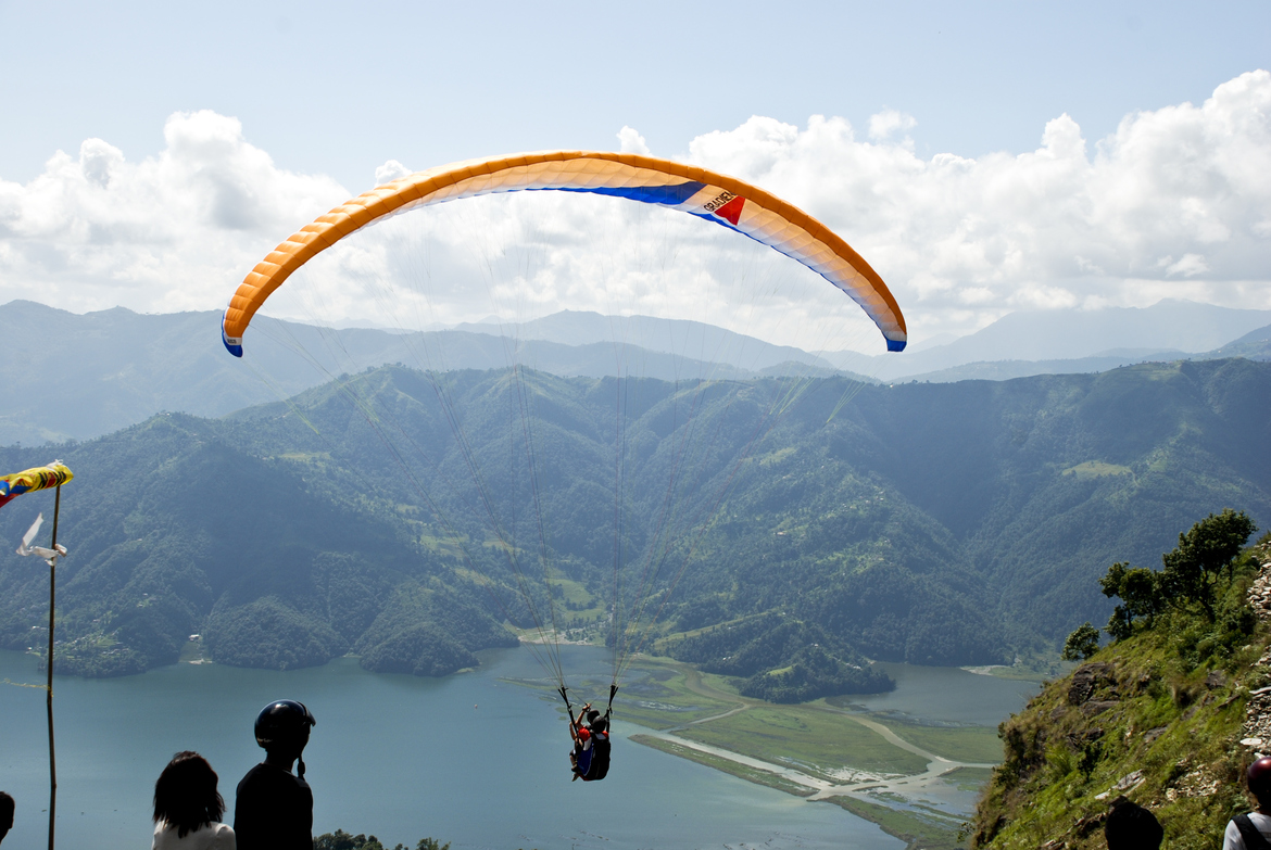 Paraglinding - A Guide Review Paragliding-in-Pokhara-Nepal-4